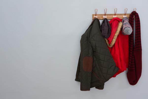 Perchero pared ropa