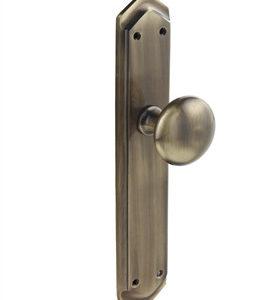 tirador pomo con placa de laton para armario mod 1070 14