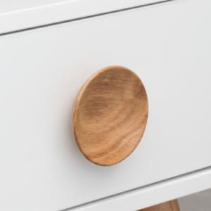 Wooden knobs and handles