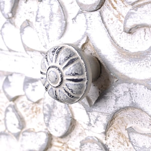 Vintage chic furniture knobs