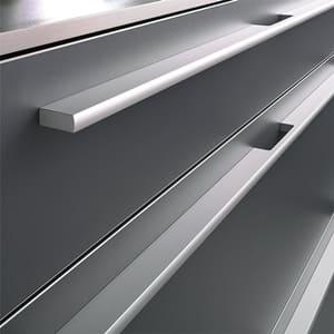 [:es]Tiradores asas aluminio[:en]Aluminium cabinet handles[:fr]Poignées en aluminium[:]