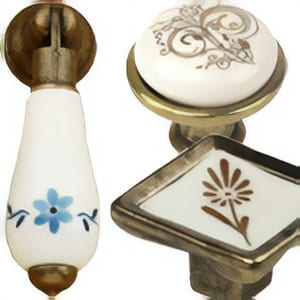 [:es]Tiradores porcelana clásica con metal[:en]Classic porcelain and metal knobs[:fr]Boutons meuble en porcelaine classique et metal[:]