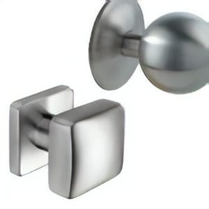 Knobs for entrance door